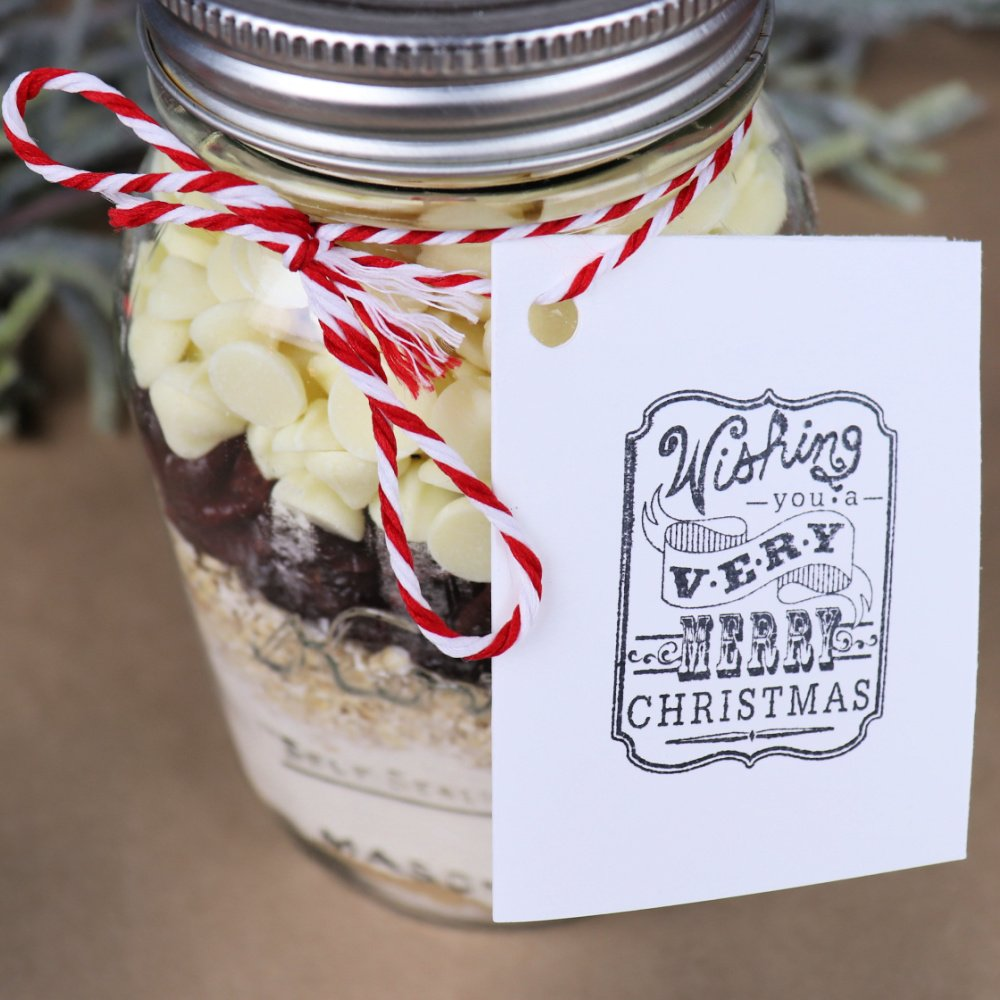 Christmas cookies in a jar gift idea with recipe