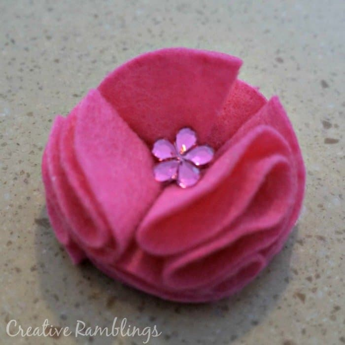 felt flower, no-sew quick and easy project