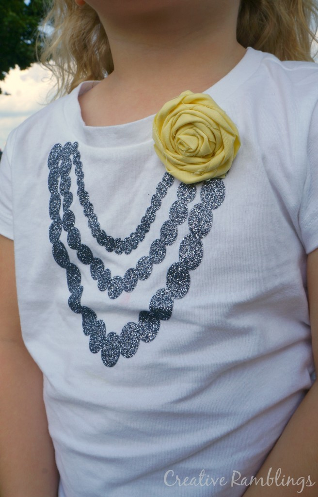 glitter htv necklace and frabic flower