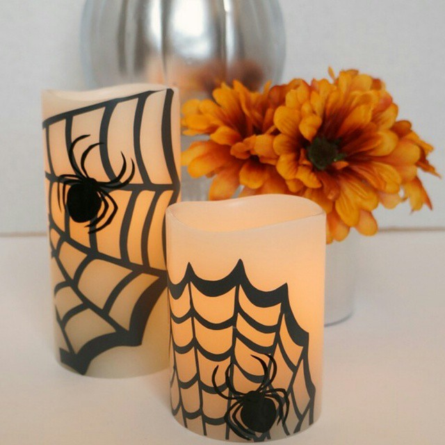 Used my #silhouette to create these spooky Pottery Barn #knockoff candles. #linkinprofile #ontheblog @silhouetteamerica #scgiveaway