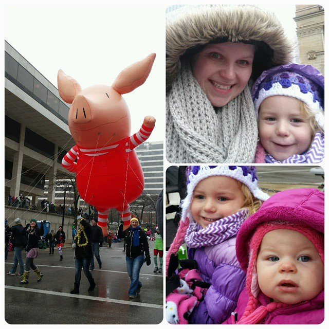 Had a blast at the #Milwaukee holiday #parade this morning. No matter how old I get those big balloons still make me ooo and ahh. #latergram #christmas