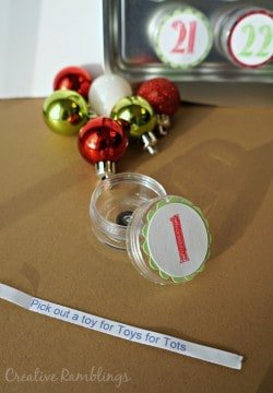 Thrifty Creative Living advent calendar with daily Christmas activities
