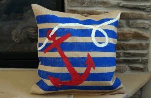 nautical painted burlap pillow #DoDIY