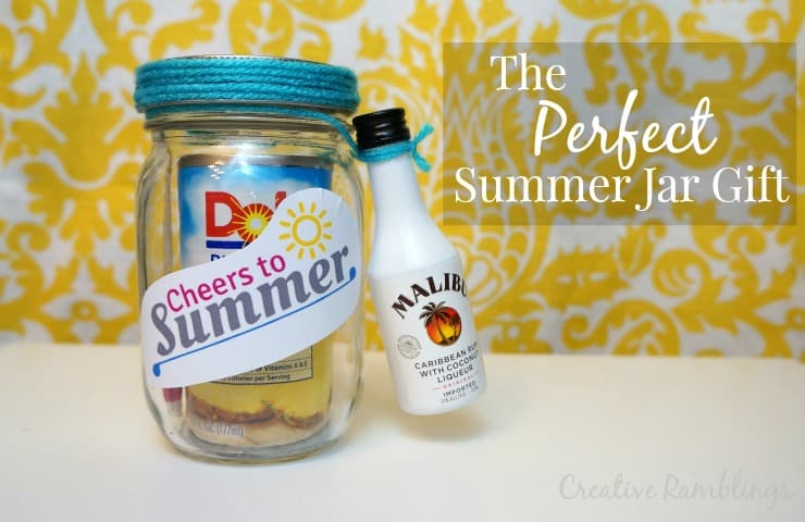 The perfect summer jar gift, a cocktail in jar.