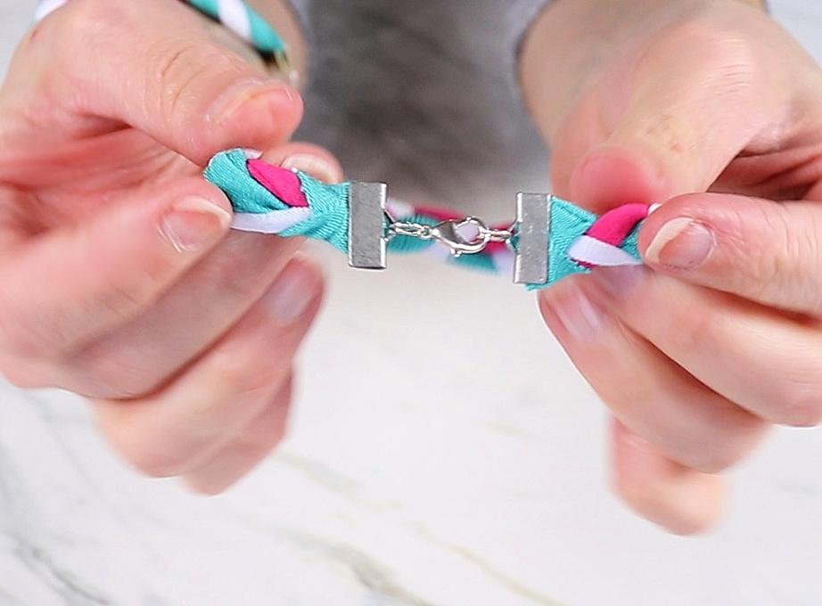 t-shirt bracelet clasp