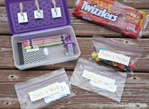 Travel busy box with creative games and snacks for a screen free road trip #TwizzlersSummer [ad]