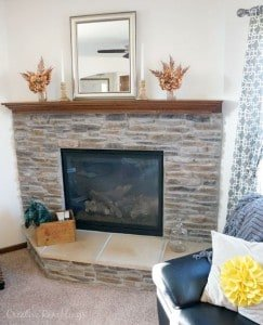Simple fall mantle with metallic and natural touches