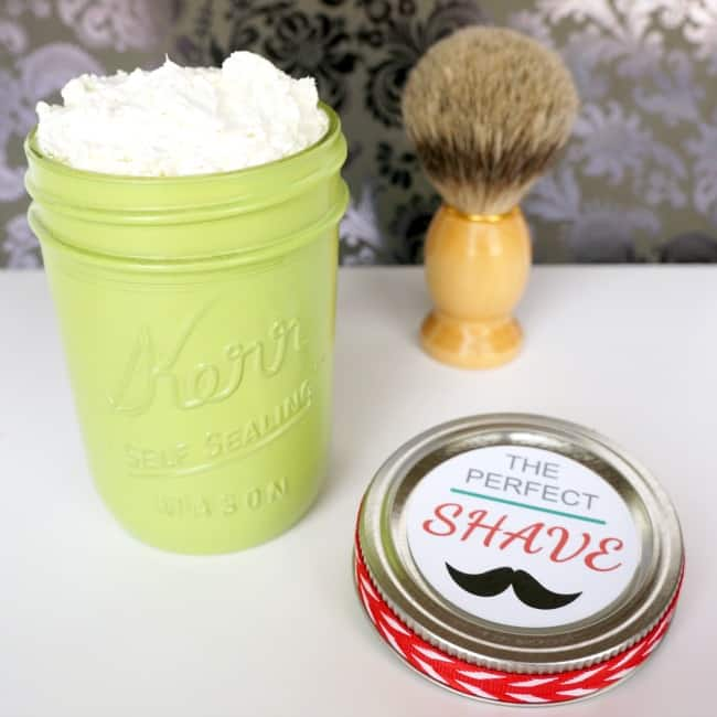 Give the gift of the perfect shave in a mason jar. Handmade DIY shaving cream makes a great gift. Pin now to save this easy recipe.