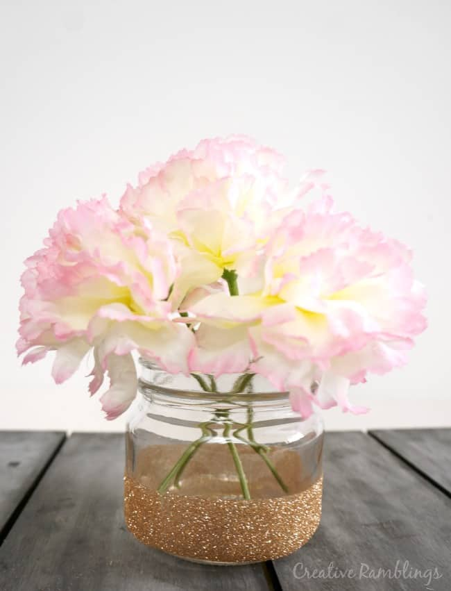`Easy to make glitter mason jar vase