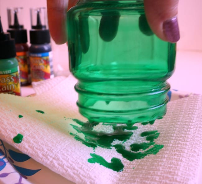 How to tint glass mason jars with DecoArt glass stain