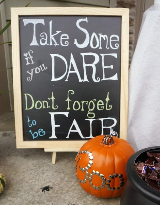 Halloween porch trick or treat sign