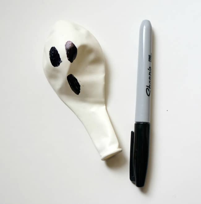Halloween experiment ghost balloon