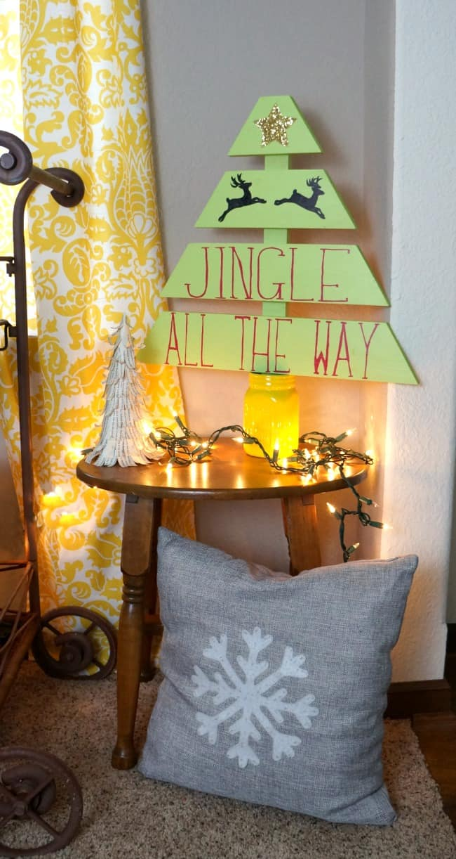 how-to-build-and-decorate-a-wood-christmas-tree-using-a-silhouette