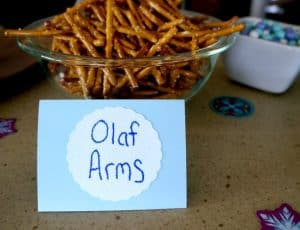 A Frozen Party for Sisters. Olaf Arms