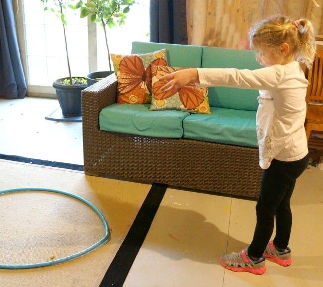 Family Games to Beat Cabin Fever - Goldfish cracker ring toss #ad #GoldfishGameTime