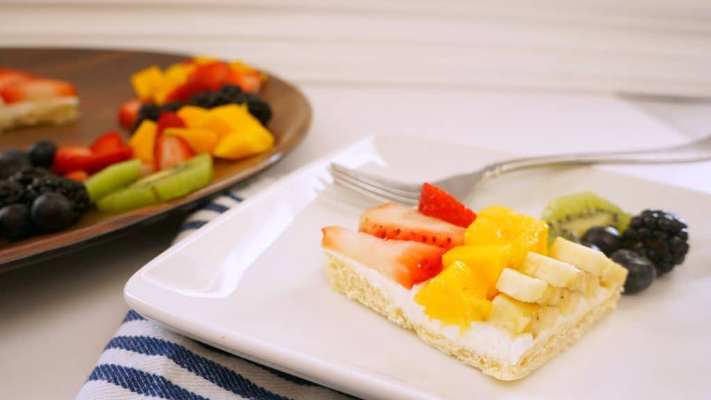 Rainbow Fruit Pizza easy recipe