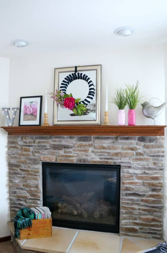Pink black and white mantle for Spring or summer