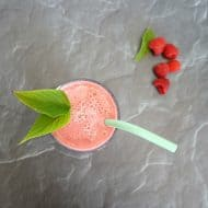 Refreshing Raspberry Mint Smoothie