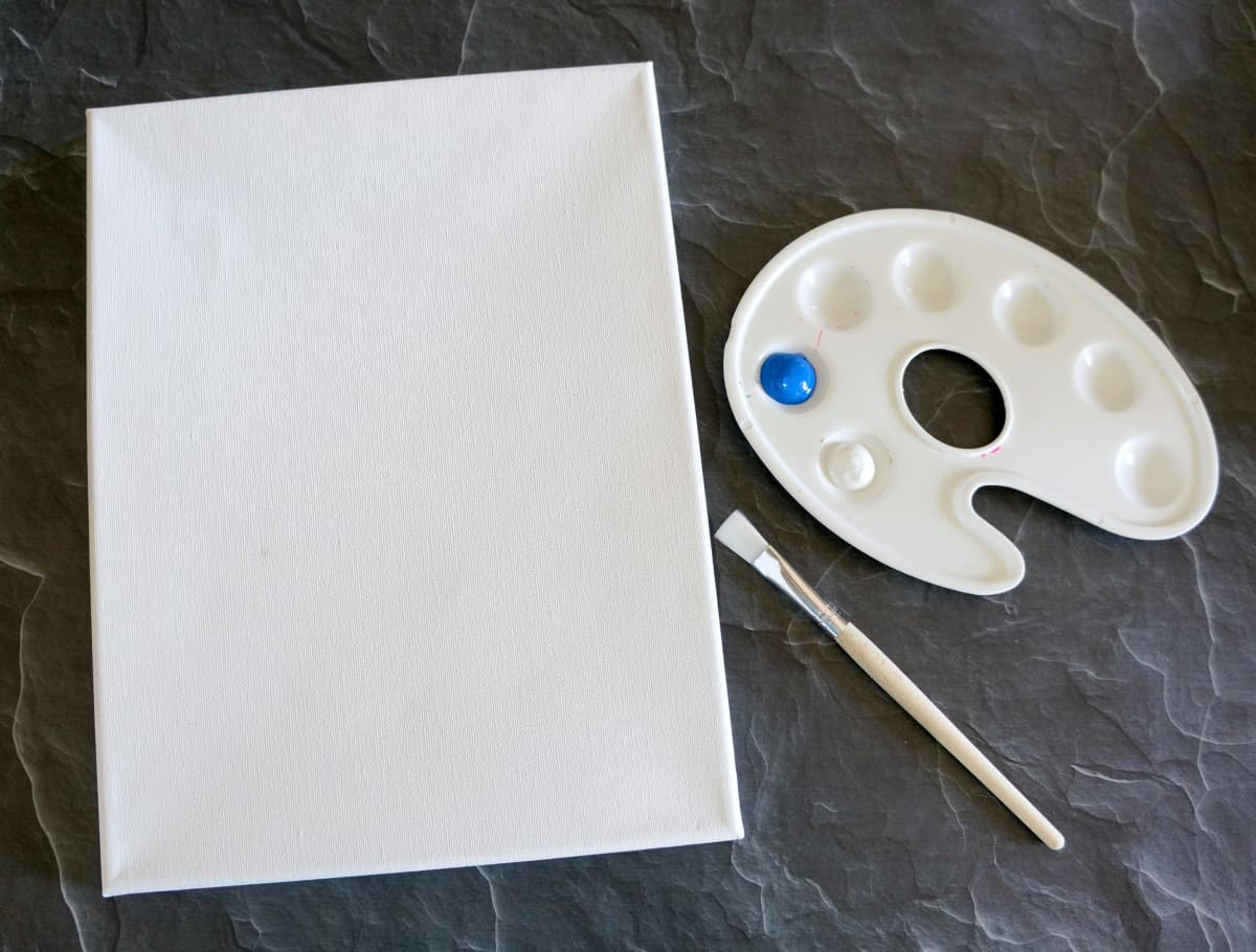 How to paint an ombre canvas with these supplies