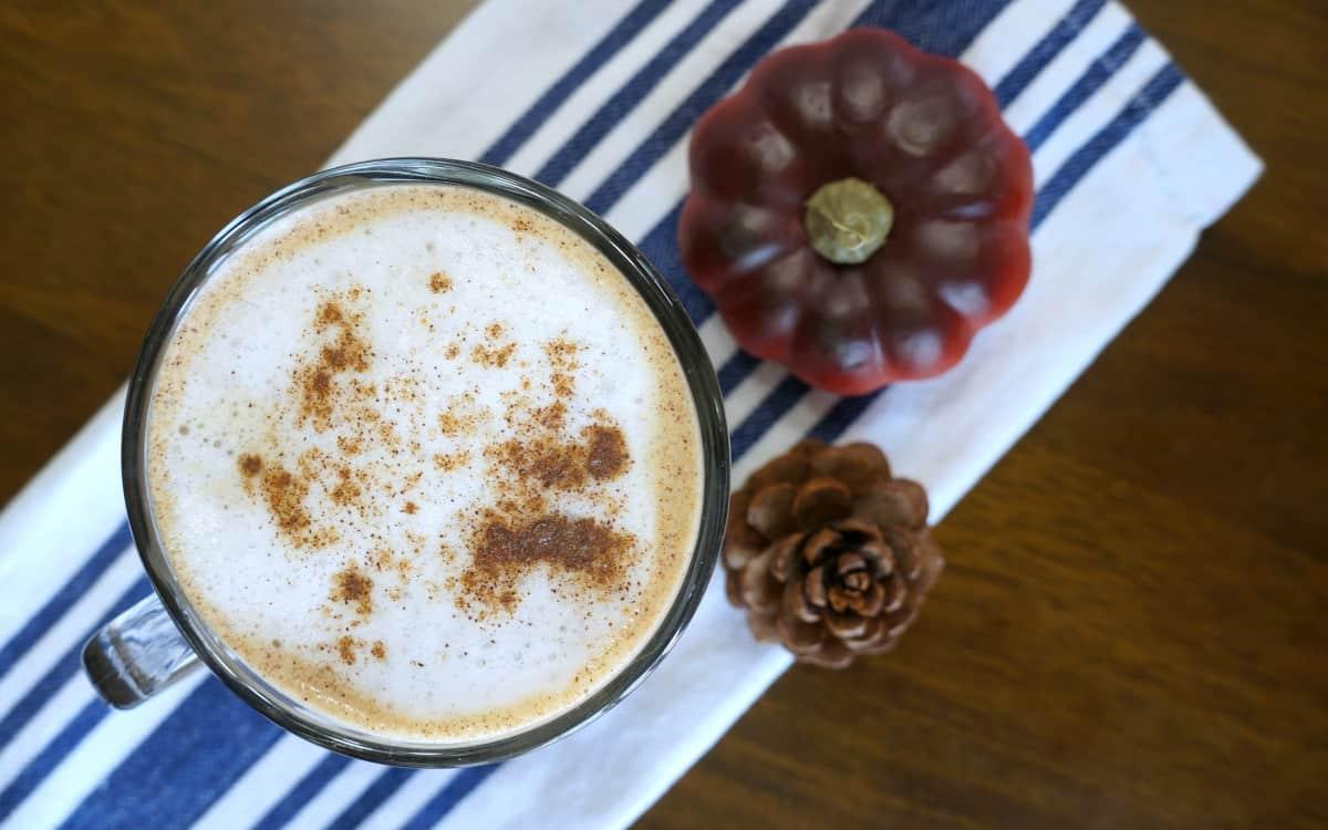 Recipe pumpkin spice latte with foamed milk