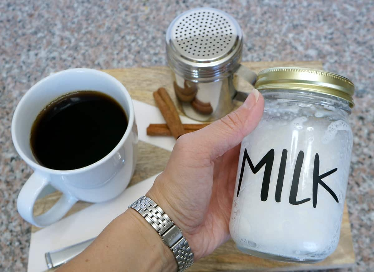 how to foam milk in a mason jar for coffee