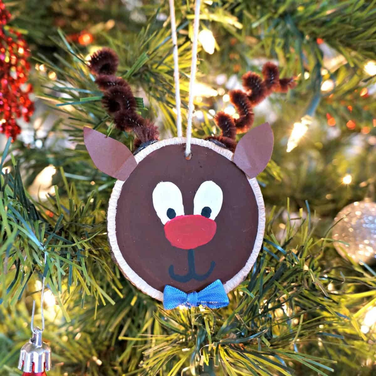 wood slice reindeer ornament craft project