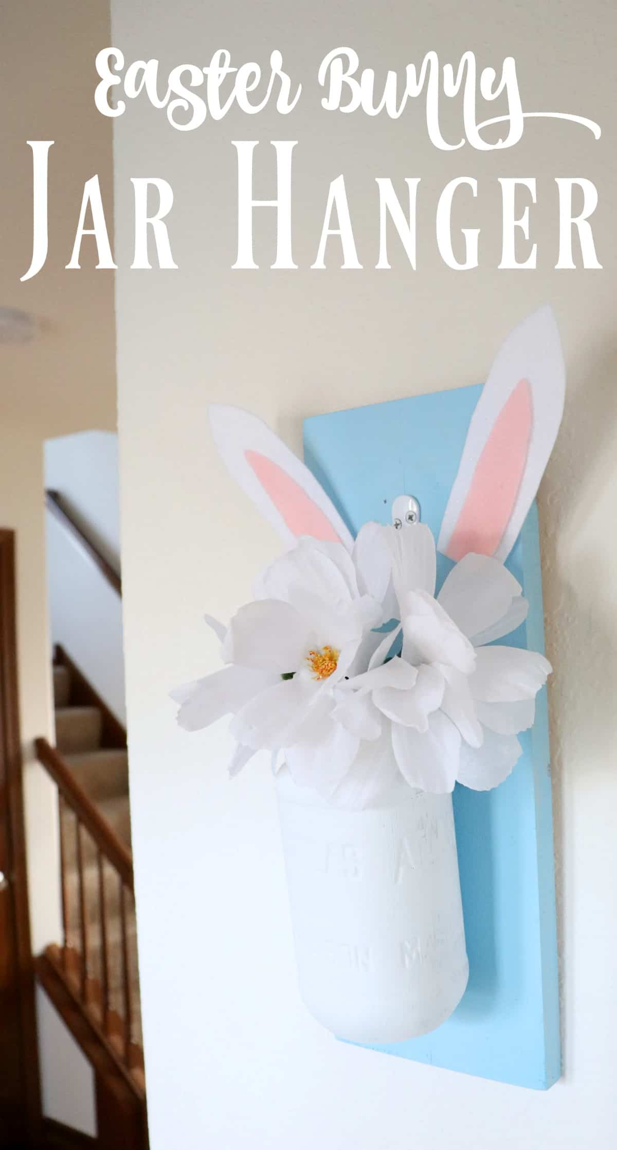 Make an Easter jar hanger with bunny ears filled with flowers