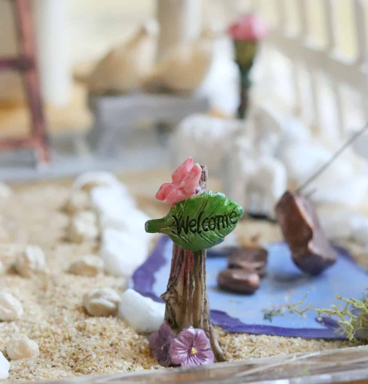 kid friendly indoor fairy garden welcome sign