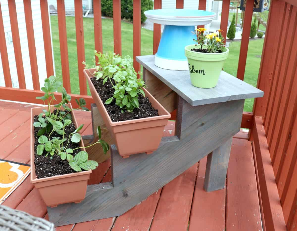 how to build a tiered planter photo 2 - Creative Ramblings