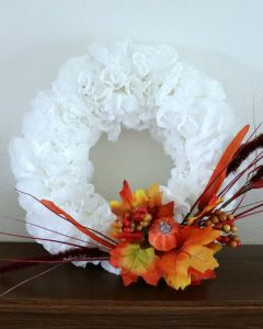 make this fall dollar store coffee filter wreath #dollarstorecrafts #falldecorideas