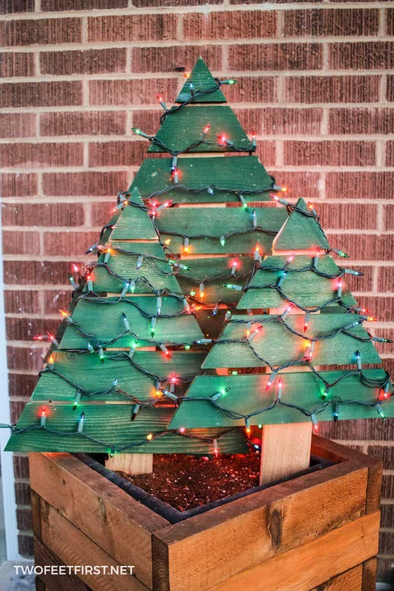 Wooden-Christmas-Tree-with-Lights