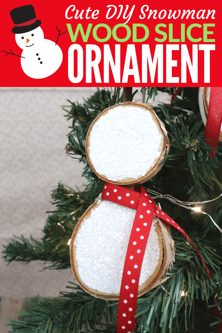 Make a snowman wood slice ornament, this handmade wood Christmas ornament is easy and fun to make. #christmas #ornament #snowman #crafts