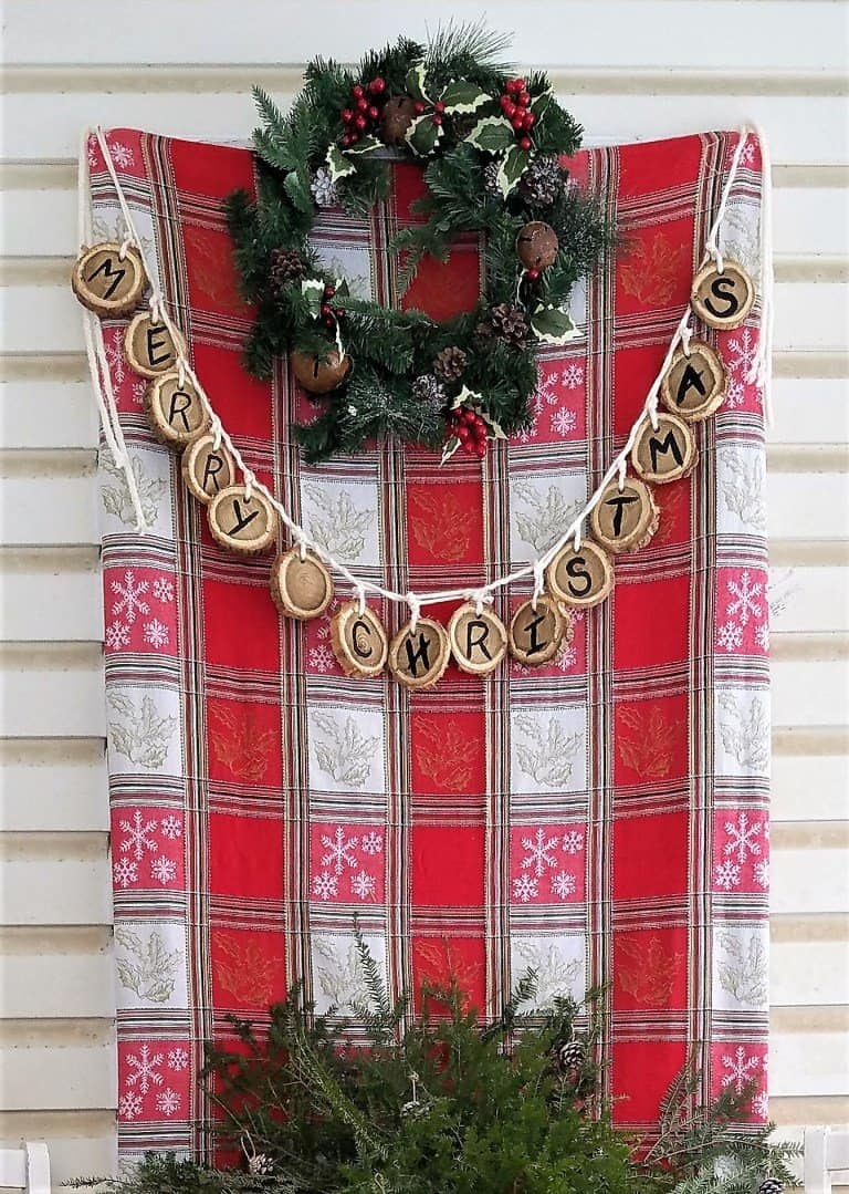 simple Christmas front porch decor