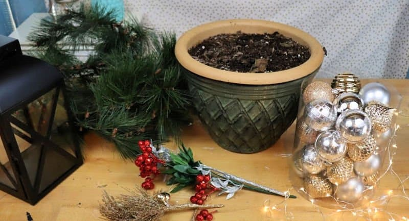 outdoor christmas planter supplies