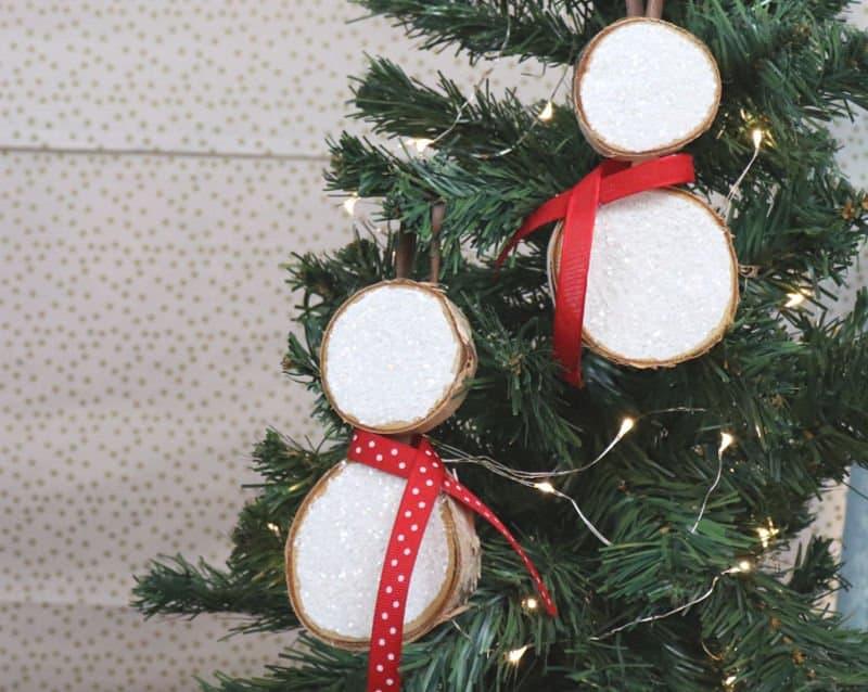 snowman wood slice ornament - creative ramblings - horizontal