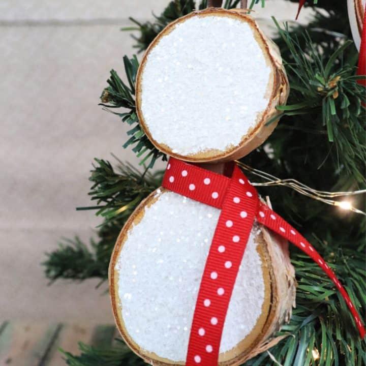 snowman wood slice ornament - creative ramblings - vertical