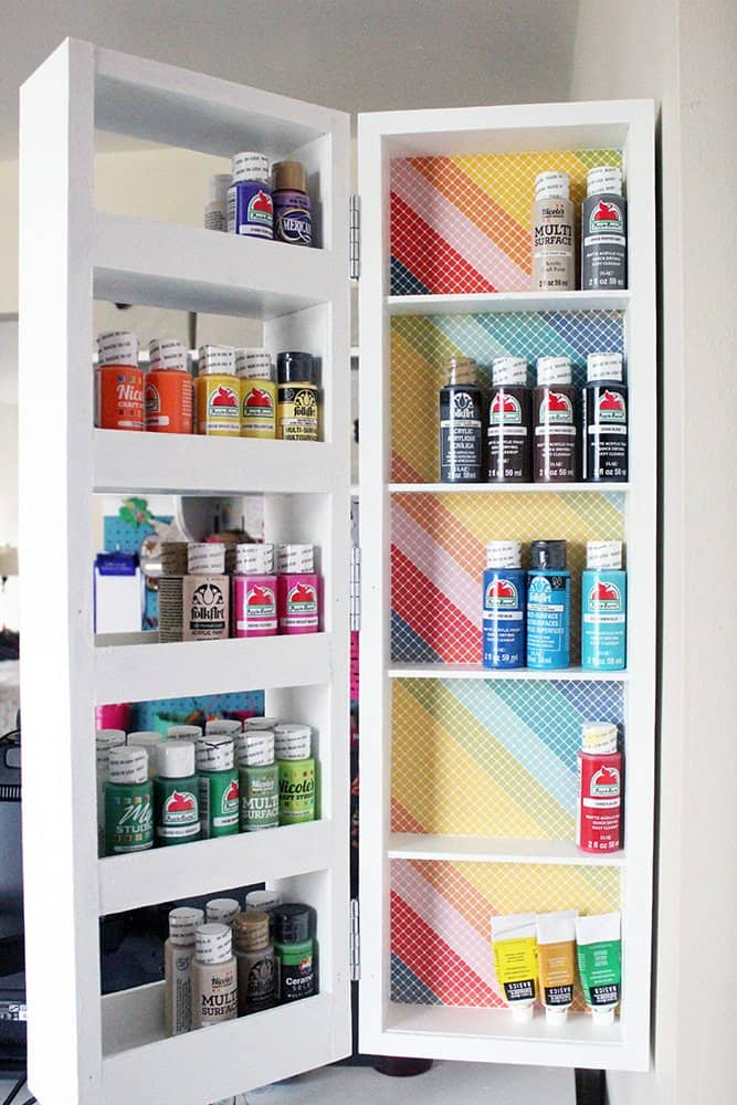 Swing-Out-Shelves