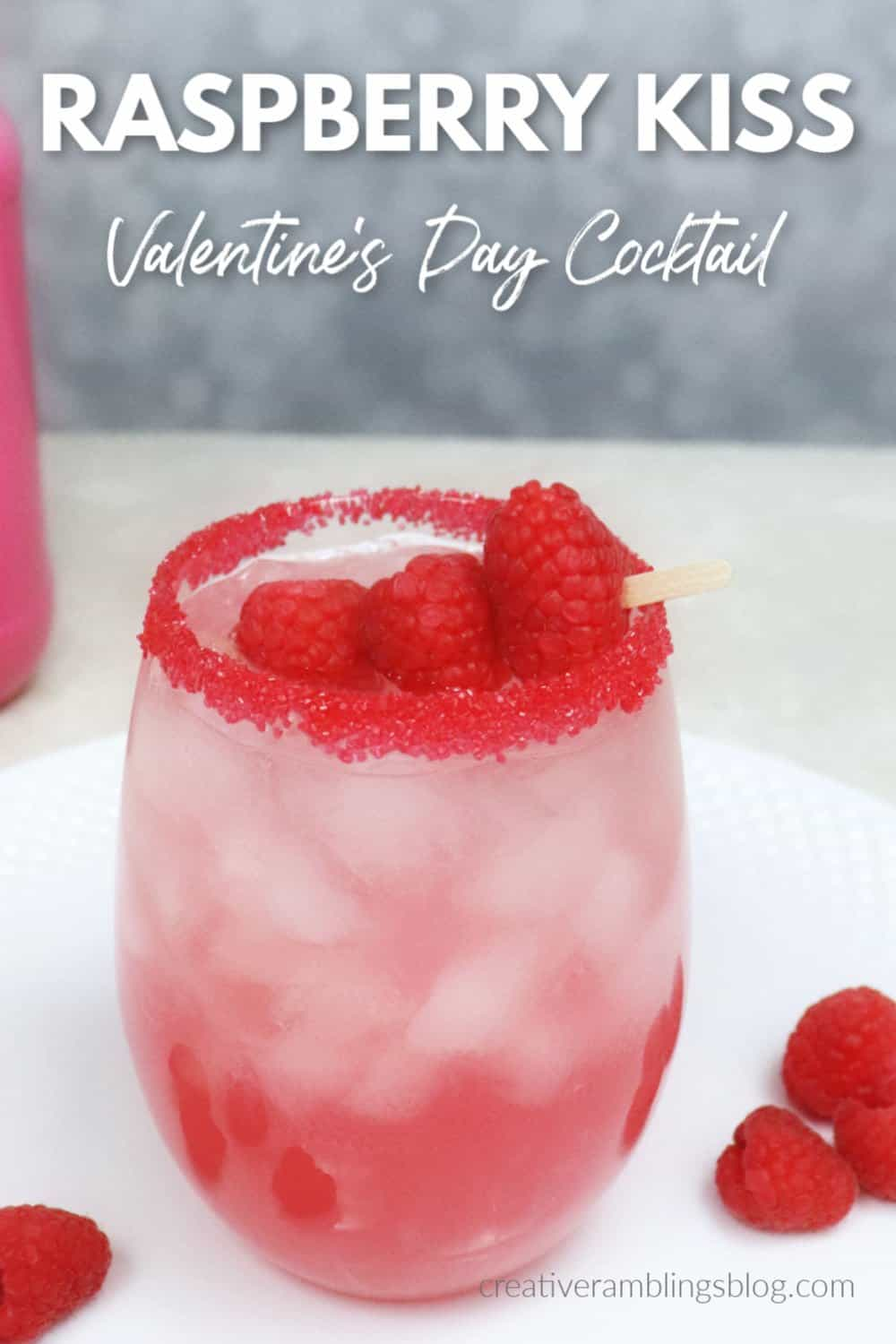 Raspberry kiss cocktail for Valentine's Day (1)