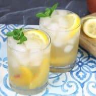 Sparkling Bourbon Lemonade with Peach