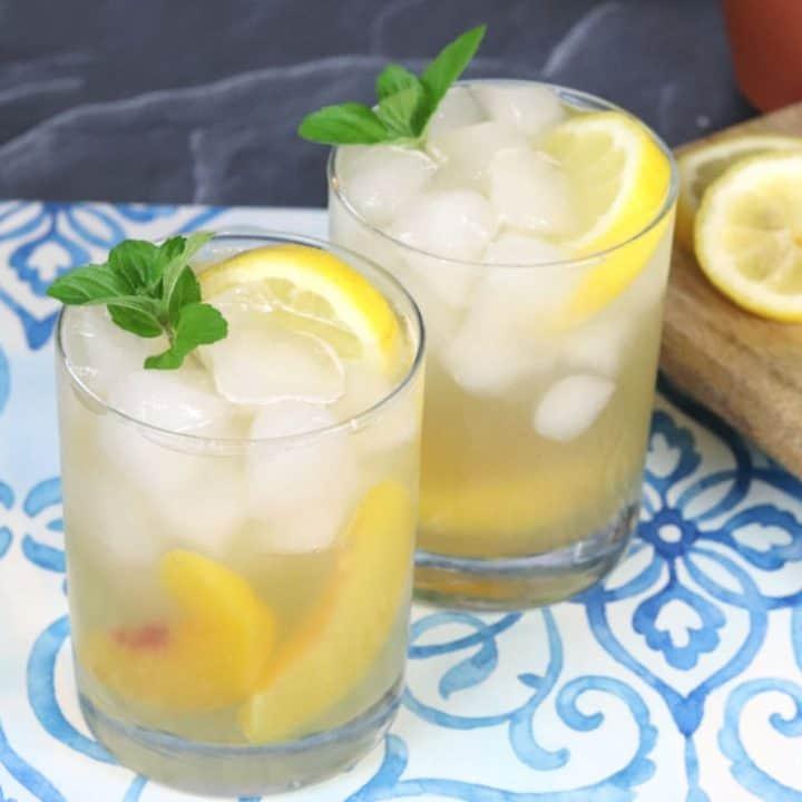Sparkling Bourbon Lemonade Cocktail Recipe - Creative Ramblings