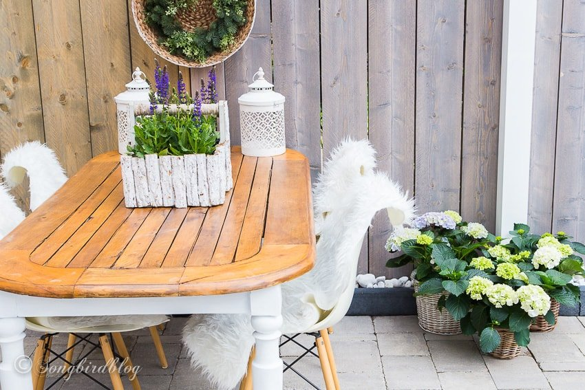 how-to-turn-an-inside-table-into-an-outdoor-table-1