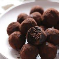 Vegan Chocolate Peanut Butter Energy Balls