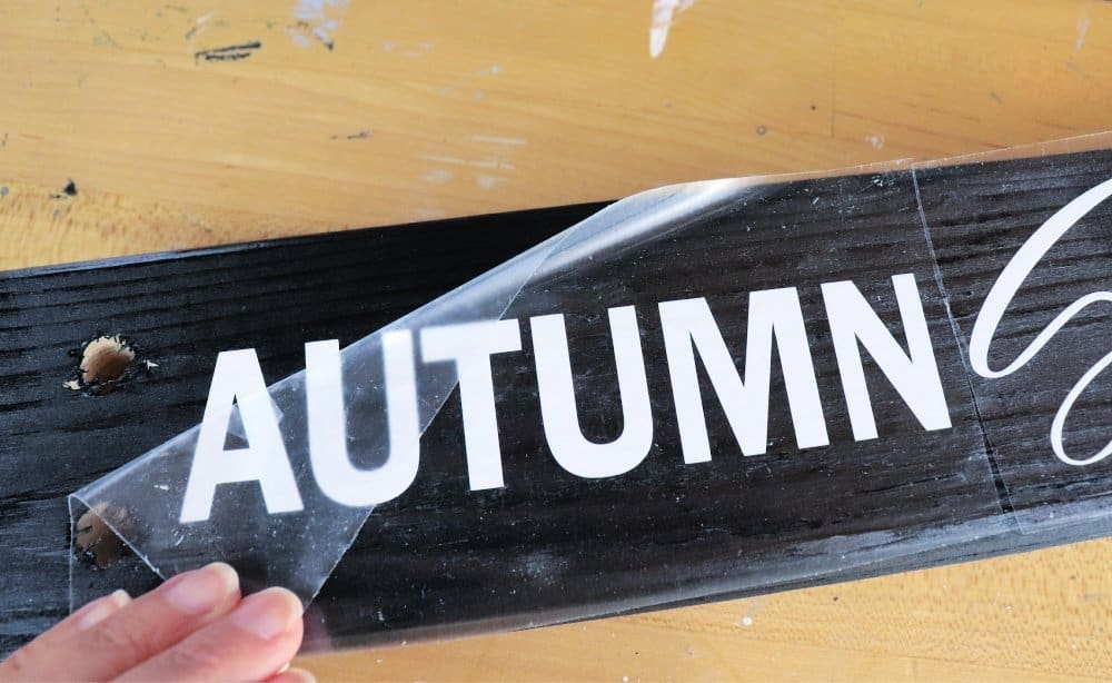 How to make a DIY fall wood sign with vinyl