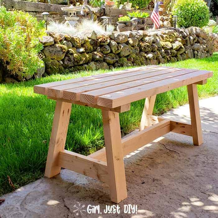 Modern 2×4 Bench – DIY Tutorial