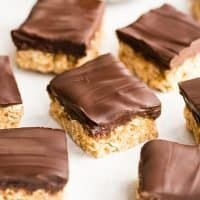 Healthy No-Bake Oatmeal Bars with Peanut Butter & Coconut