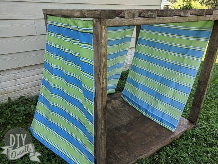Outdoor Dog Cabana DIY