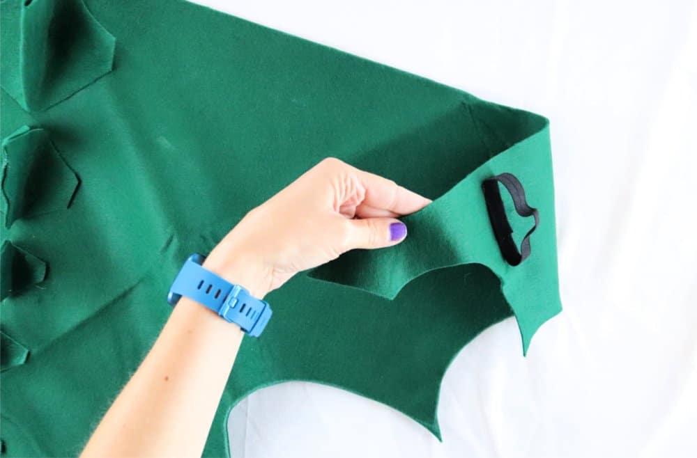 elastic handle on dragon costume