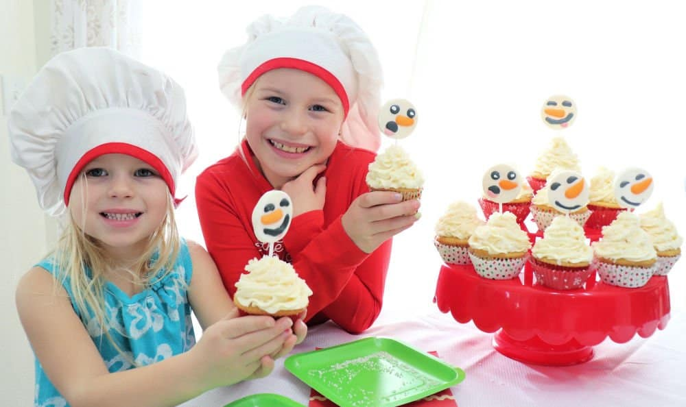 Easy snowman cupcakes with kids