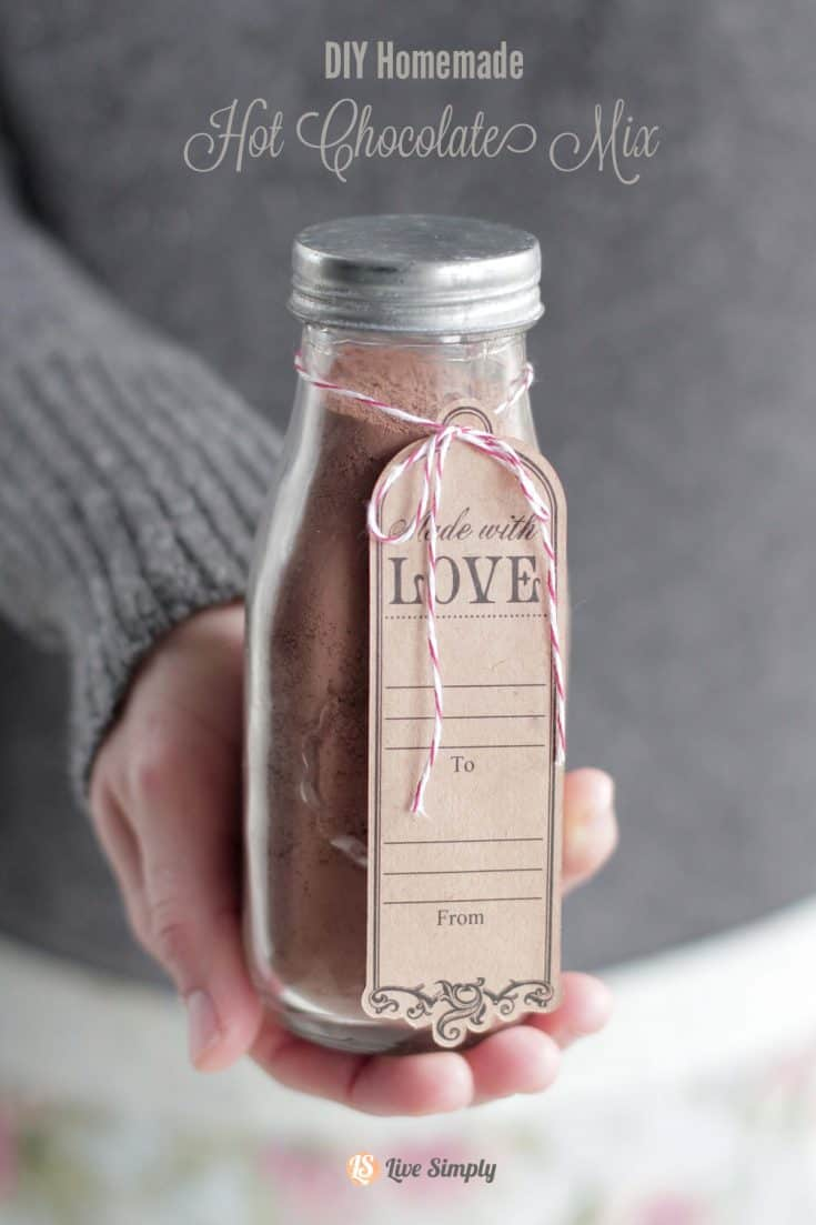 DIY Homemade Hot Chocolate Mix (Without Refined Sugar or Powdered Milk)