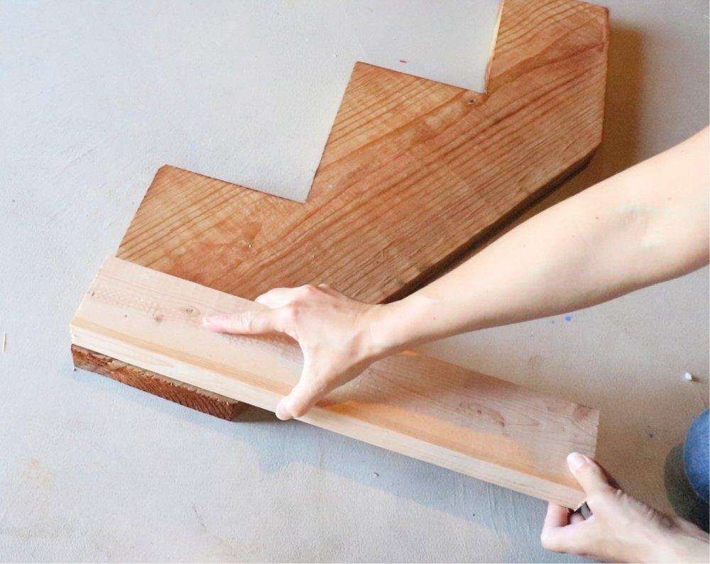 Adding leg to stair stringer